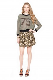 LONG SLEEVE NUMBER SHIRT AND CAMO SKIRT